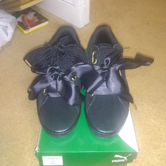 reputable site b4ed5 00847 Women's Puma Suede Heart Satin Shoes Sz 9 NWT